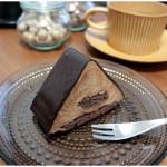FOXのチョコケーキ